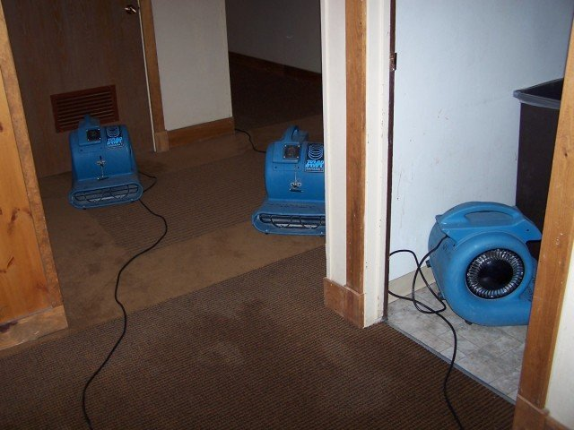 How Water Damage Restoration Minimizes Carnage To Your Property